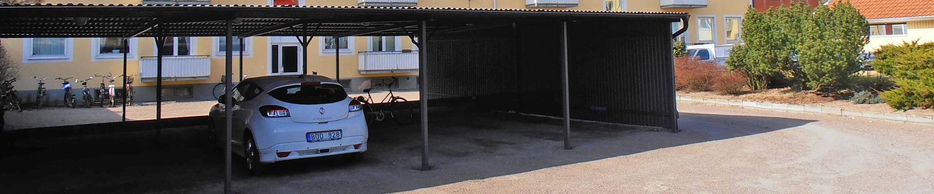 Lediga parkeringsplatser och carportar